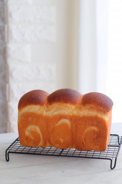 シンプルが美味しいホシノ食パン