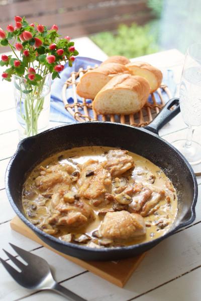 スキレット☆鶏もも肉のポルチーニソース