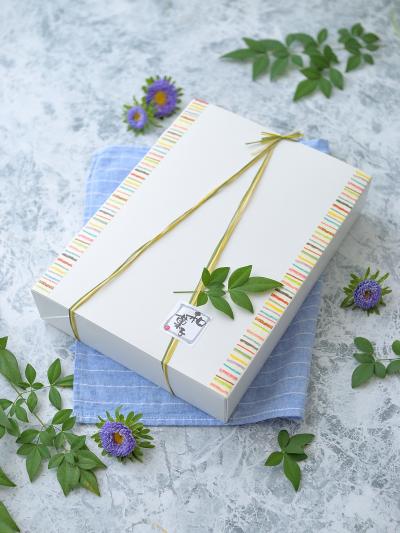 和菓子の箱詰めラッピング