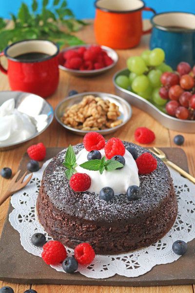 オーブンいらず無水鍋でしっとりチョコレートケーキ