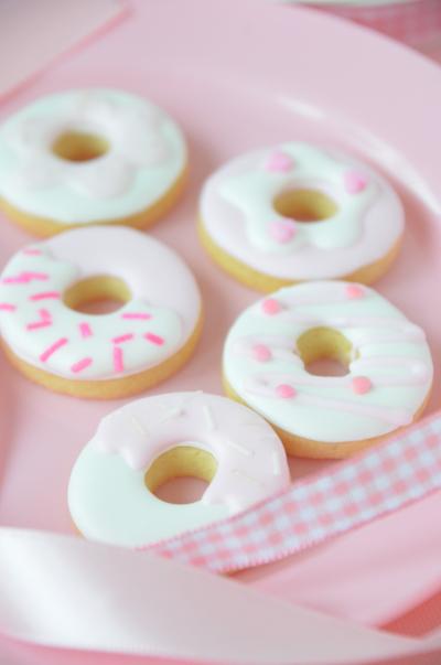 小さなドーナツのアイシングクッキー♡