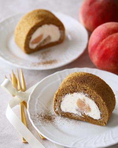 桃と紅茶のロールケーキ