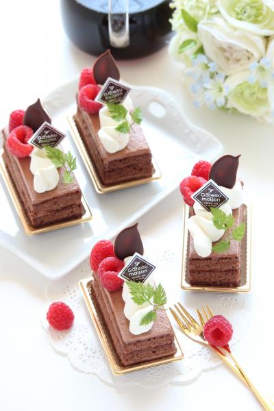 スタイリッシュに☆生チョコレートケーキ