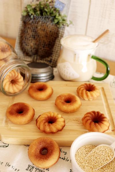 キヌア入り焼きドーナツ