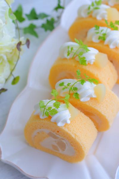 洋梨のキャラメルクリームロールケーキ