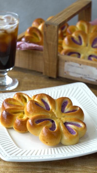 紫芋とかぼちゃのお花あんぱん