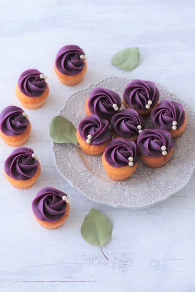 紫芋のミニカップケーキ