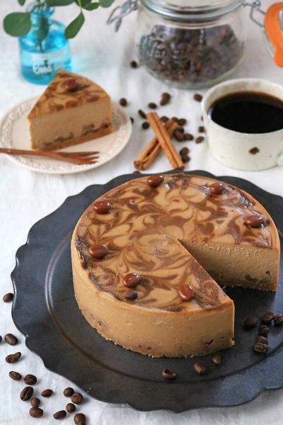 なめらかコーヒーナッツニューヨークチーズケーキ