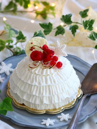 いちごとチョコのクリスマスドームケーキ