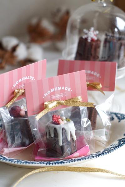 カヌレ型プチチョコレートケーキのバレンタインラッピング