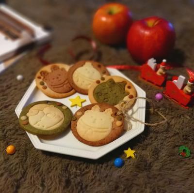 焼きっぱなしのオーナメントクッキー