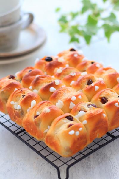 レーズンシュガーバターちぎりパン