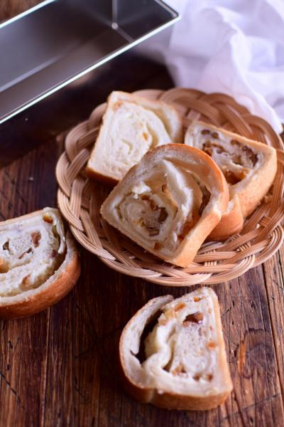 パウンド型で作るチーズクリーム食パン