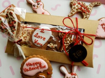 バレンタインのアイシングクッキーラッピング