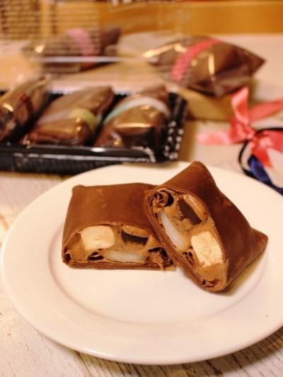 ココアクレープ包み*チョコホイップ!チーズムース!生チョコ!ぎゅうひ!