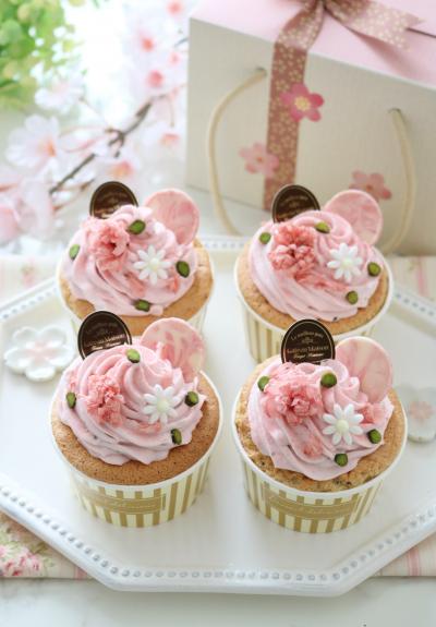 ふんわり桜のシフォンカップケーキ♪
