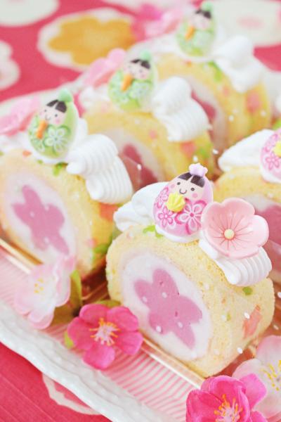 桃のレアチーズロール