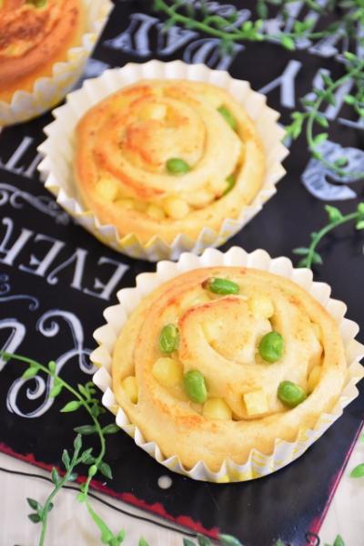 チーズと枝豆の渦巻きパン