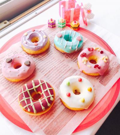 カラフルな米粉焼きドーナツ♡