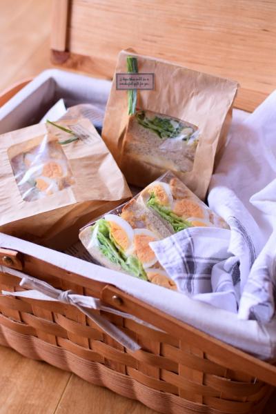 サンドイッチのピクニックラッピング