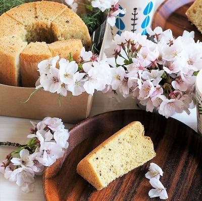 桜のシフォンケーキーー白餡と桜の葉で和テイストのシフォンケーキ