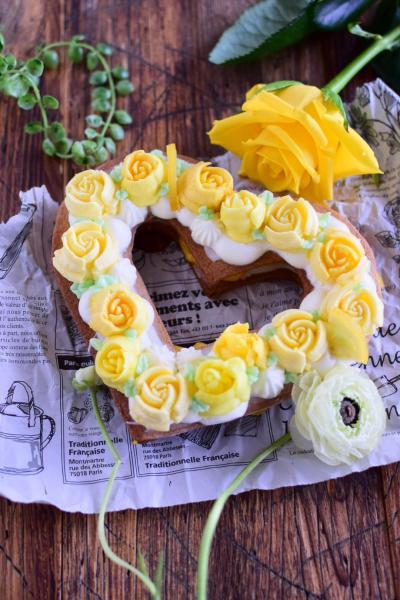 黄色の薔薇のクッキーケーキ
