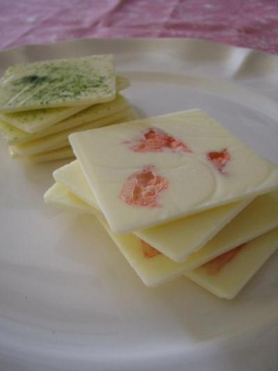 パリッと極薄♡ 桜ホワイトチョコレート