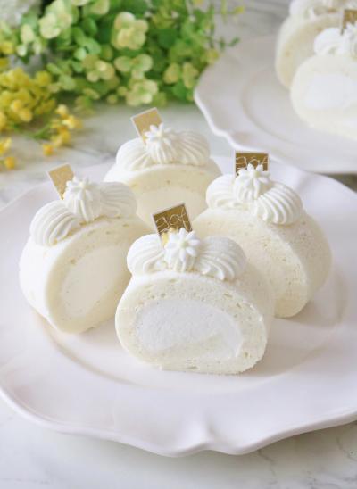 白いロールケーキ