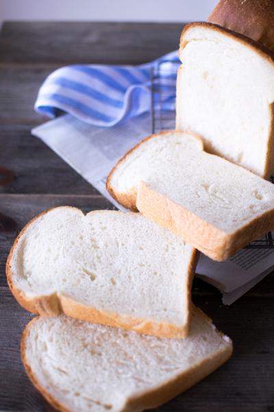 しっとりやわらか極みの食パン