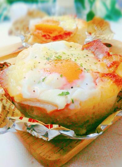 HB*卵半熟!ベーコンエッグトマトパン