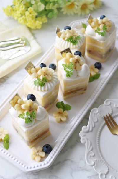 バナナカスタードのスクエアショートケーキ