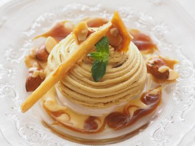 安納芋のモンブラン風パブロバ