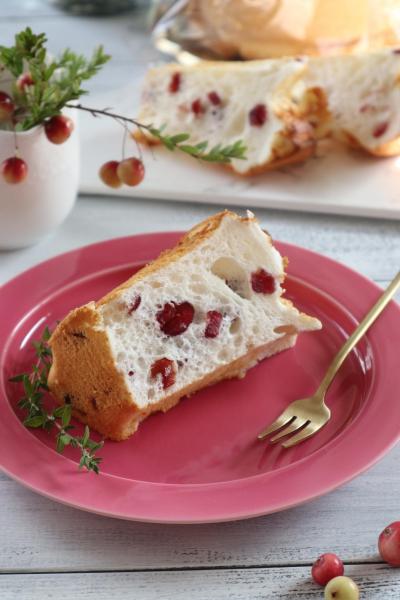 卵白だけで作るミルキーシフォンケーキ