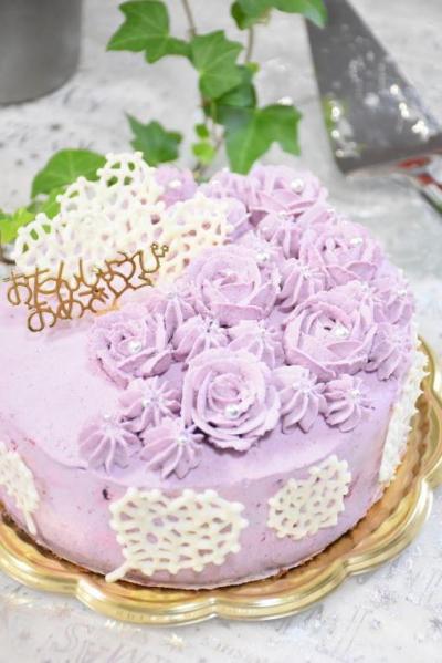 バラのお誕生日ケーキ