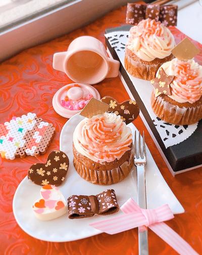 2色クリームのチョコカップケーキ☆