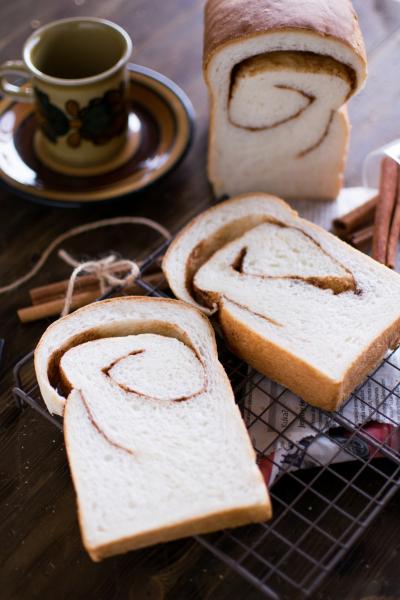 プレミアムグランデでシナモンロール食パン