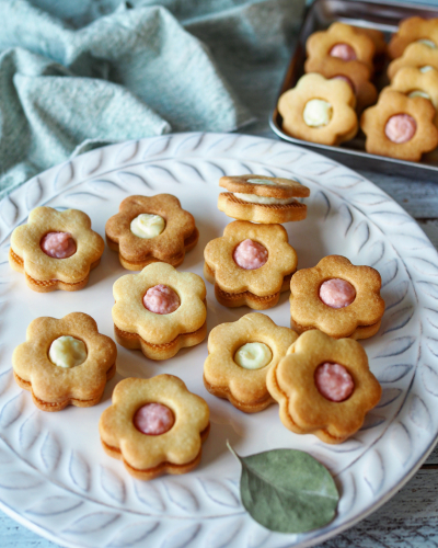 お花のガナッシュサンドクッキー