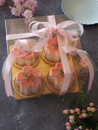 桜のレアチーズケーキのラッピング