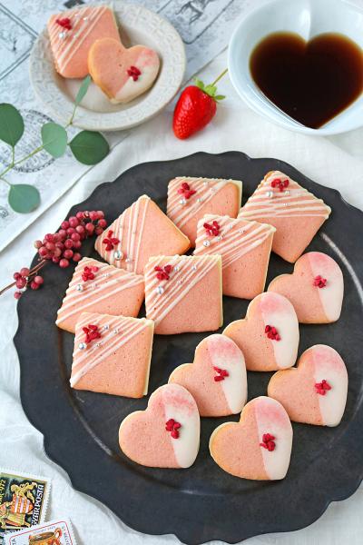 苺とホワイトチョコのラングドシャサンド
