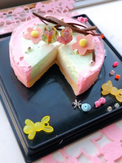 ひな祭り♡断面が楽しみな3色ムースケーキ♪