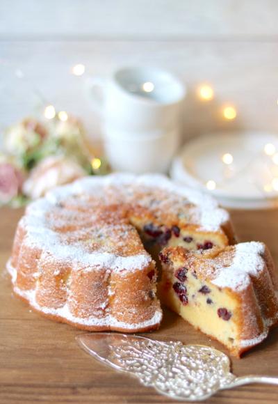 お花のクランベリーケーキ