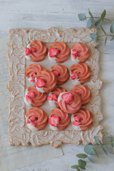 苺の絞り出しクッキー