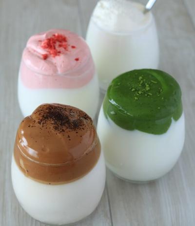 4種のふわふわラテ(ダルゴナコーヒー、ダルゴナコーヒー風抹茶・苺・練乳)