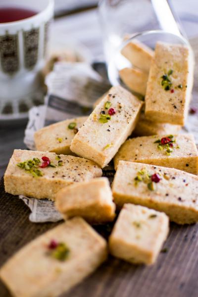 スモークチェダーチーズのショートブレッド