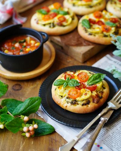 フォカッチャ生地で作る野菜ピザ
