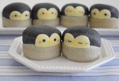 マフィン型で♪ペンギンの赤ちゃんパン