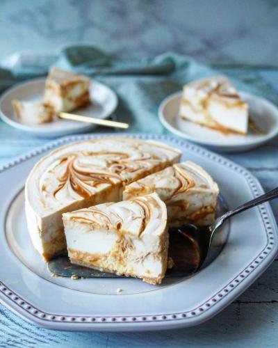 塩キャラメルマーブルレアチーズケーキ