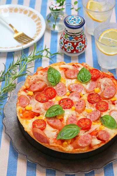 手ごねでお手軽!炊飯器でふわふわちぎりピザパン