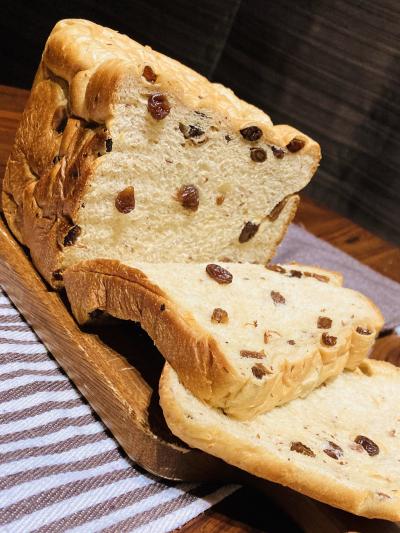 ごろごろレーズンのしっとり食パン