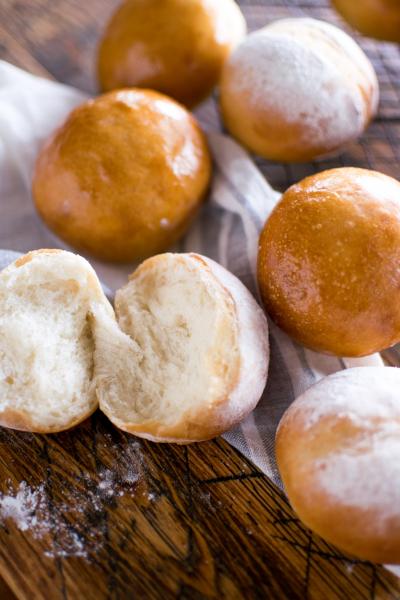 翌日もふわふわ続くシンプルな丸パン